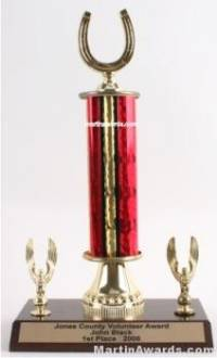 Red Single Column Horseshoe With 2 Eagle Trophy