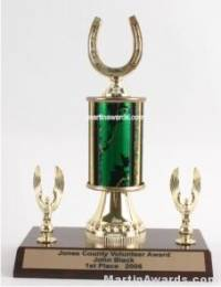 Green Single Column Horseshoe With 2 Eagles Trophy